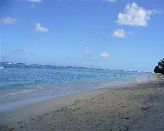 raro beach opposite Puaikura