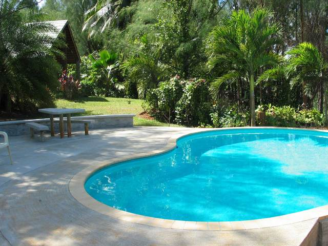 Atiu Villas Pool