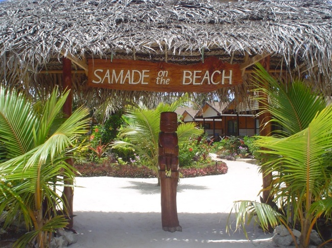 Samade on the Beach Entrance